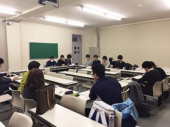 [写真]札幌大学の学生ボランティアミーティング