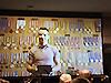 [写真]メダルを年代別に飾ってあるレニーン選手