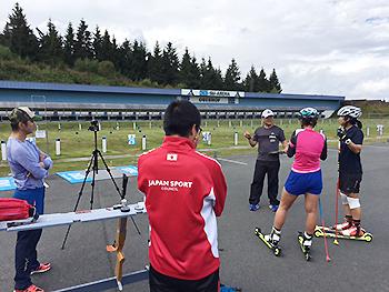 [写真]トレーニング内容を説明