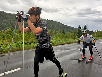 [写真]高村選手と岩本選手