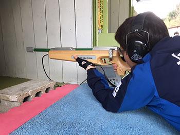 [写真]バイアスロン射撃トレーニング