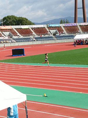 [写真]1500m競技の岩本選手