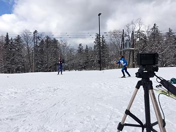 [写真]高速カメラでフォームを撮影