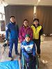 [写真]成田さん、相原さんと新田のんの選手、藤田佑平ガイド兼コーチ