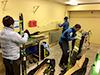 [写真]ワックスキャビン設営開始