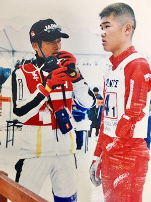 [写真]98'長野パラリンピック・リレー スタート前の新田選手と荒井監督