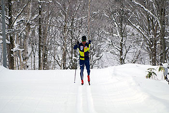 [写真]大滝合宿でのトレーニングする新田選手