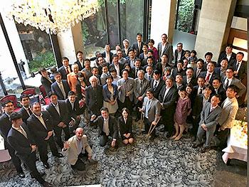 [写真]10月に行なわれたOB会の集合写真