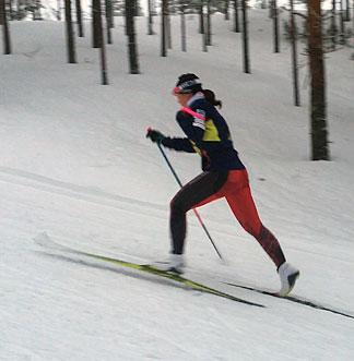 [写真]阿部友里香選手のクラシカル スピード練習