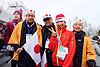 [写真]太田選手と。左から 山崎専務、佐久間社長、日立ソリューションズ・ビジネスの大西社長