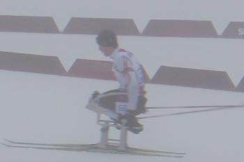 [写真]ソチパラリンピック バイアスロン・ミドルレース中の久保恒造選手