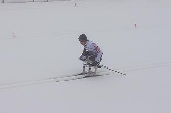 [写真]レース中の久保選手