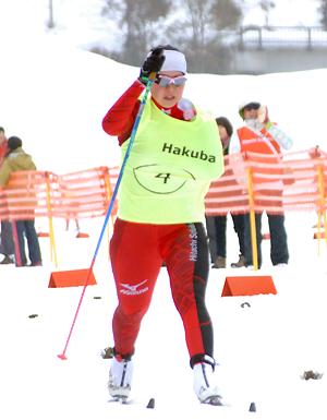 [写真]阿部友里香選手の力強いゴール