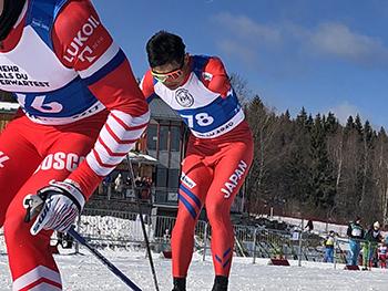 [写真]新田佳浩選手のパワーあふれる滑り