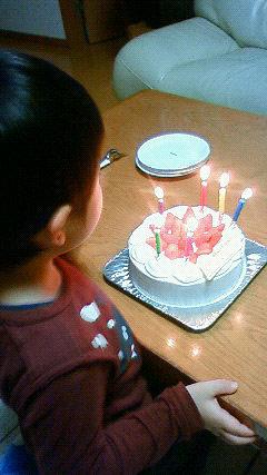 [写真]息子と誕生日ケーキ
