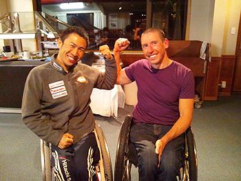 [写真]カナダのクリス選手と久保