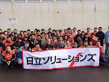 [写真]第34回大分国際車いすマラソン大会にて集合写真