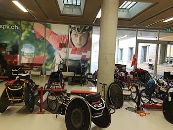 [写真]スイスチームの室内練習場