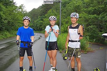 [写真]3人揃って無事初日のトレーニング終了