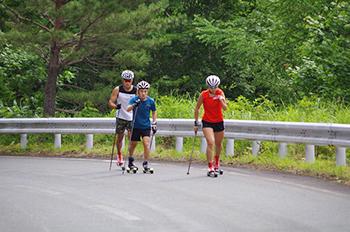 [写真]ローラー滑走の様子