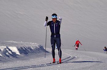 [写真]Ramsau合宿で氷河トレーニングに励む新田選手