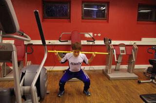 [写真]フィジカルトレーニングに励む川除選手