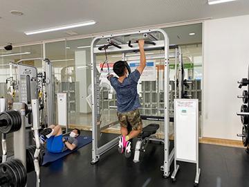 [写真]新田選手のパワートレーニング
