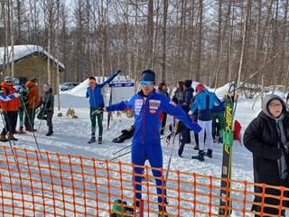 [写真]美瑛宮様スキーマラソン大会スタート前の新田選手