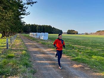 [写真]ランニングコースの牧草地