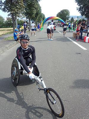 [写真]レーサーに乗っている長田弘幸選手