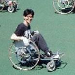 [写真]1989年のレーサー(陸上競技用車いす)