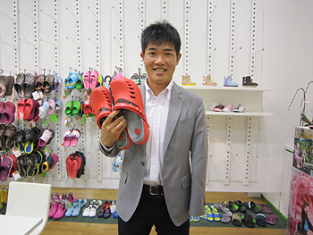 [写真]CROCS PREPAIR CLOGと私
