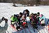 [写真]新田佳浩選手と子供たち