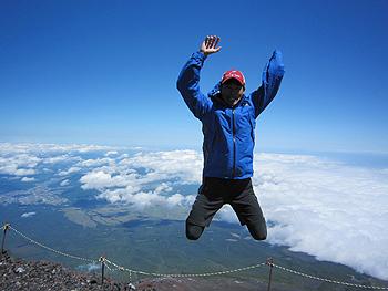 [写真]太田渉子選手がジャンプ