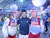 [写真]閉会式でクラシカルのメダリスト、ロシアのRushan選手、Vladislav選手と共に