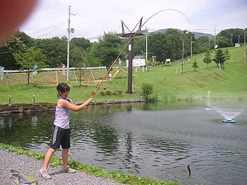 [写真]にじます釣り