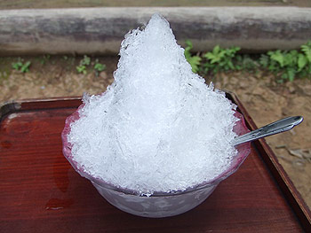[写真]白い茶屋のかき氷