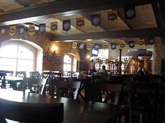 [写真]Sakuビール工場内のレストラン