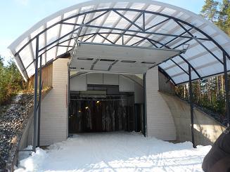 [写真]スキートンネルの入り口