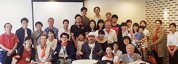 [写真]参加者とOPENちばスタッフのみなさんとの集合写真