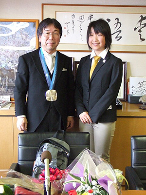 [写真]小原校長先生と太田渉子