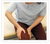 [写真]手のひら全体で圧をかける