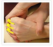 [写真]足の指全体を内側へ丸める