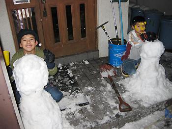[写真]頑張って作った雪だるま