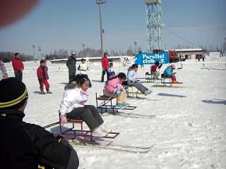 [写真]シットスキー体験の様子